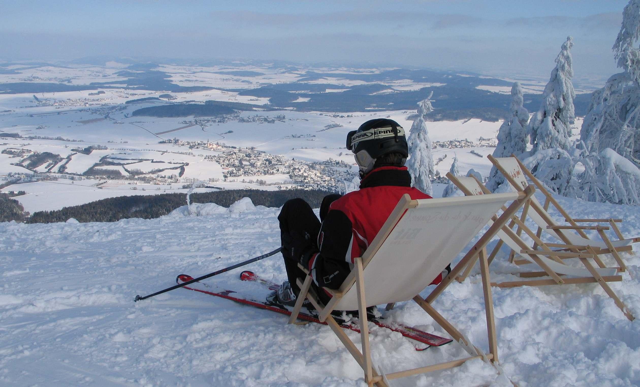 mamü 2010Skifahrer im Liegestuhl